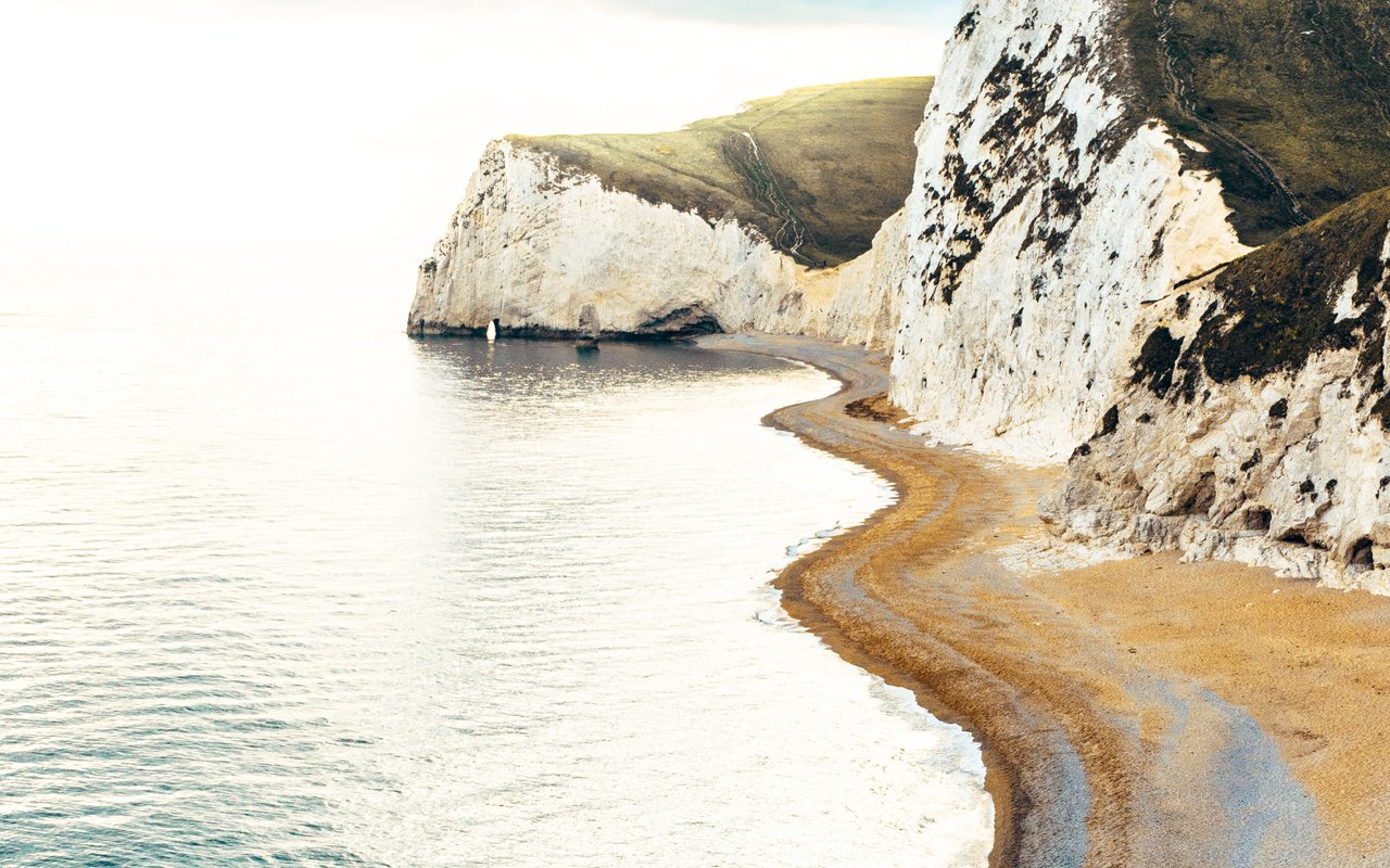 AWAYN IMAGE Captuer the Lulworth Cove and Durdle Door