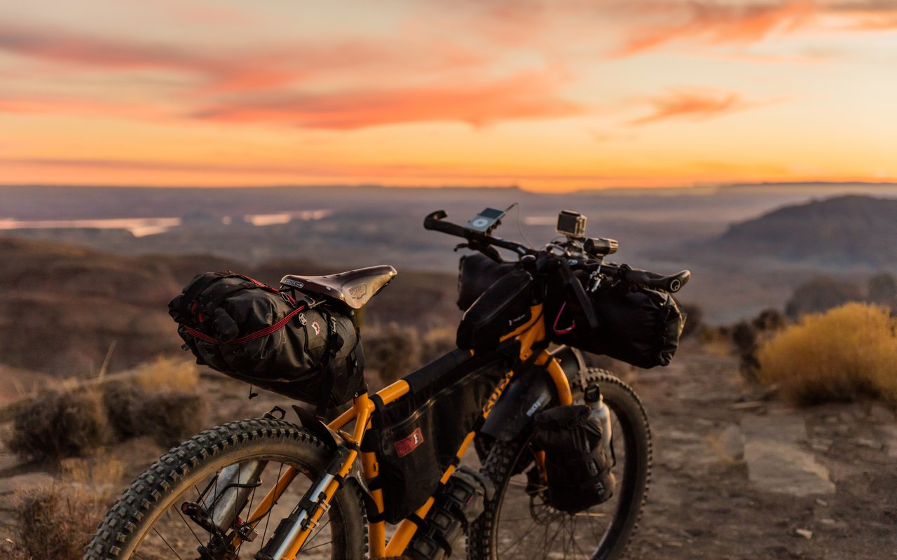 AWAYN IMAGE MTB to Grand Staircase-Escalante National Monument