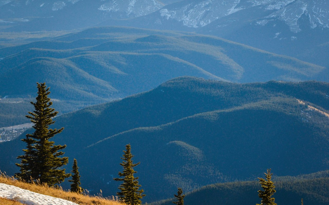 AWAYN IMAGE Prairie Mountain Hike