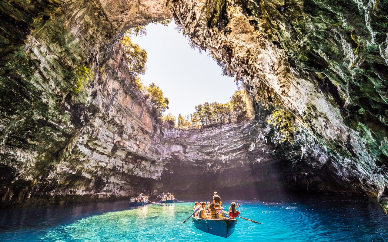 AWAYN IMAGE Boat trip to Melissani Cave