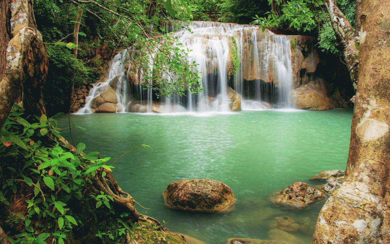 AWAYN IMAGE Erawan waterfall