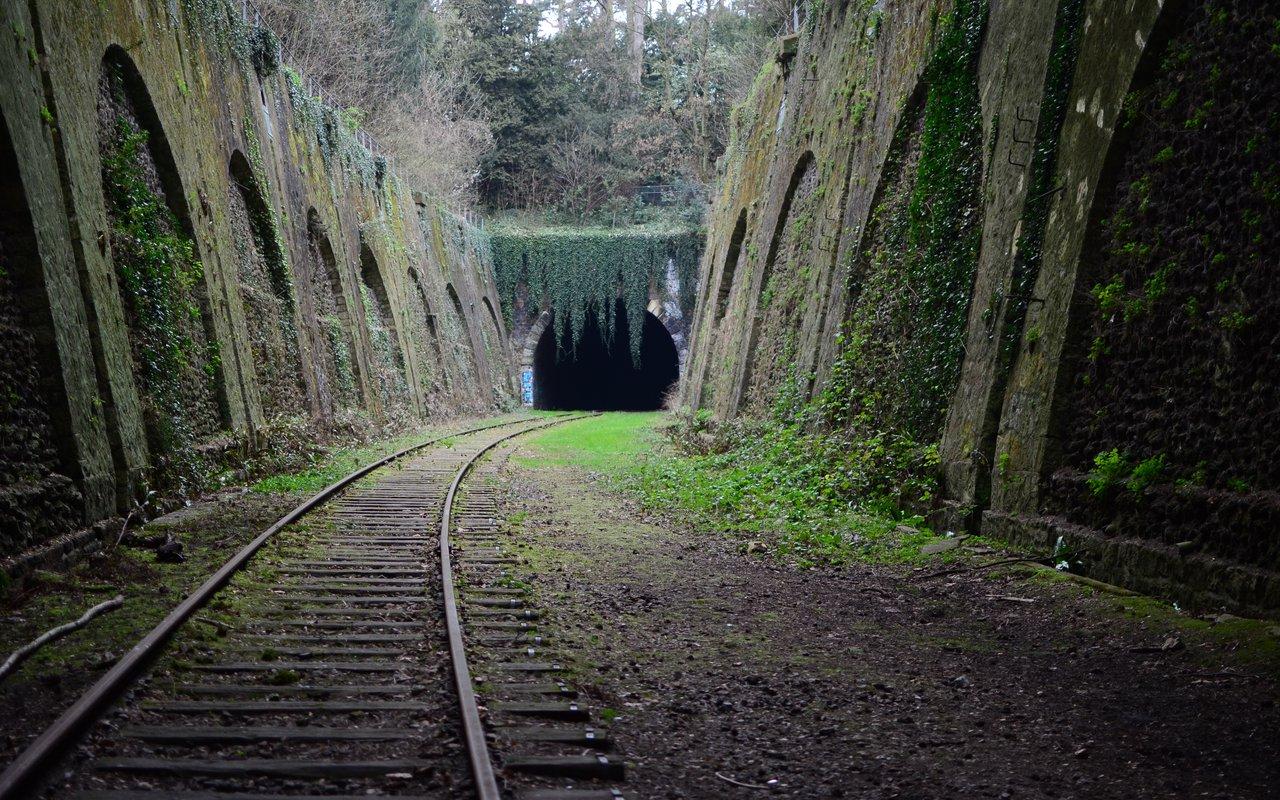 AWAYN IMAGE Chemin de fer de Petite Ceinture