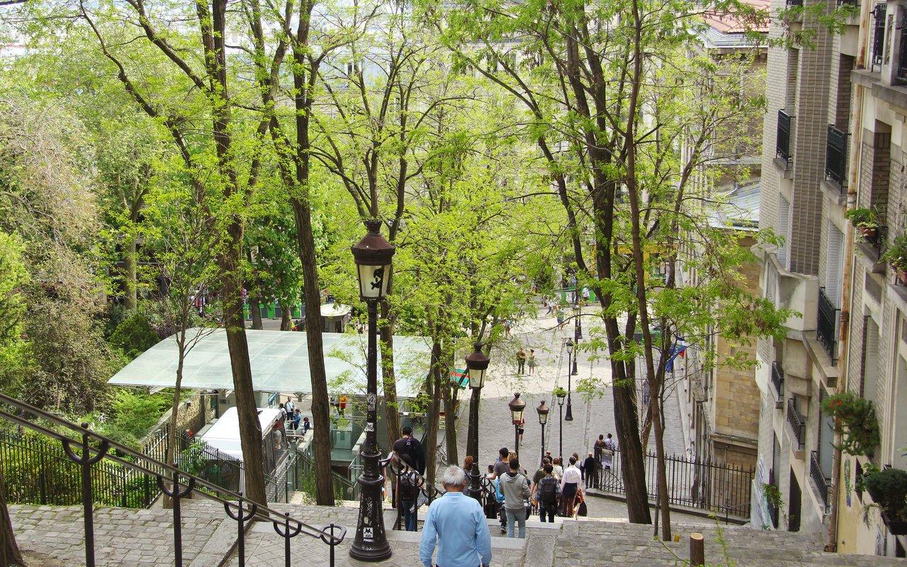AWAYN IMAGE Rue Foyatier , Sacré-Cœur in Montmartre
