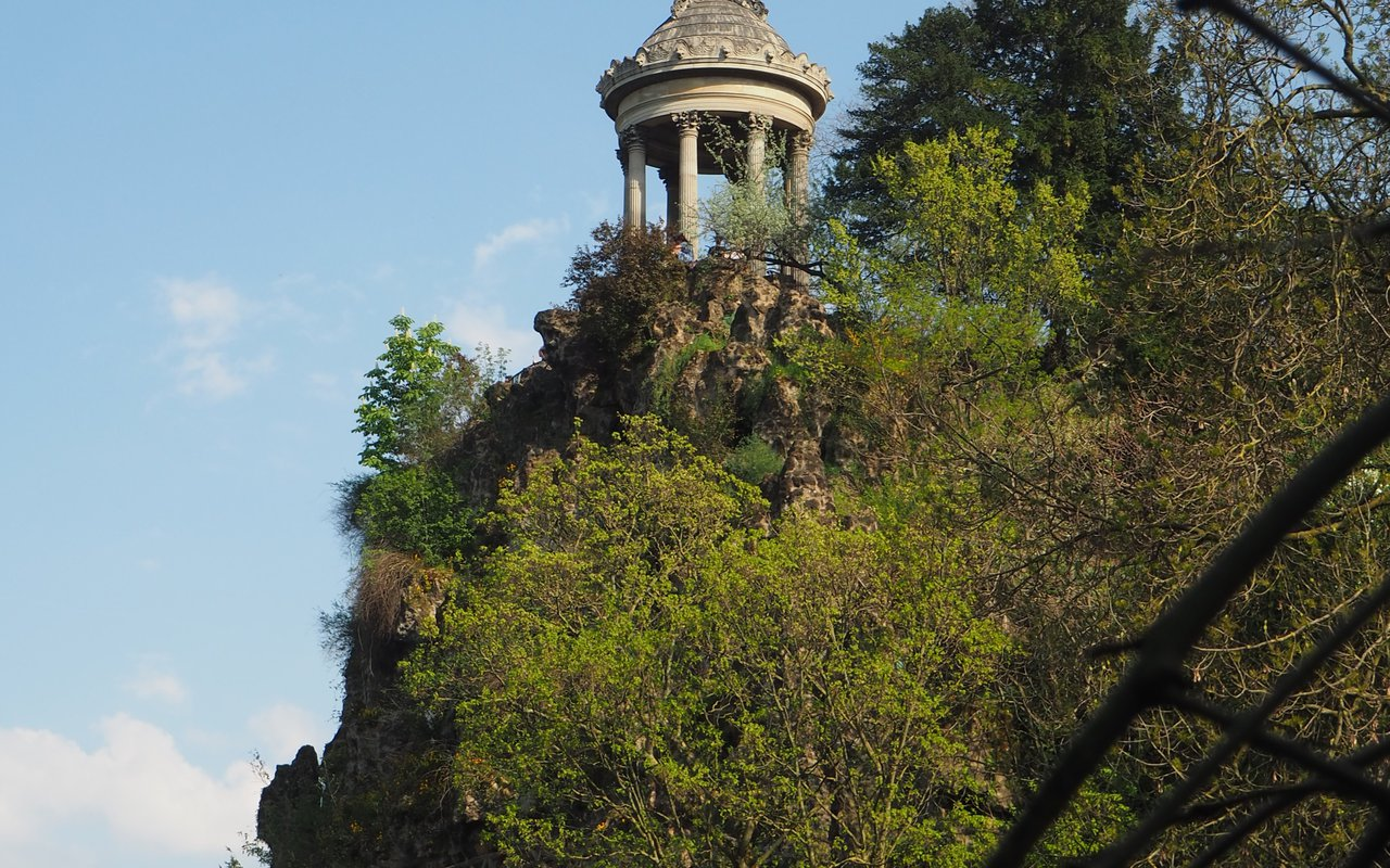 AWAYN IMAGE Get a view of Buttes Chaumont