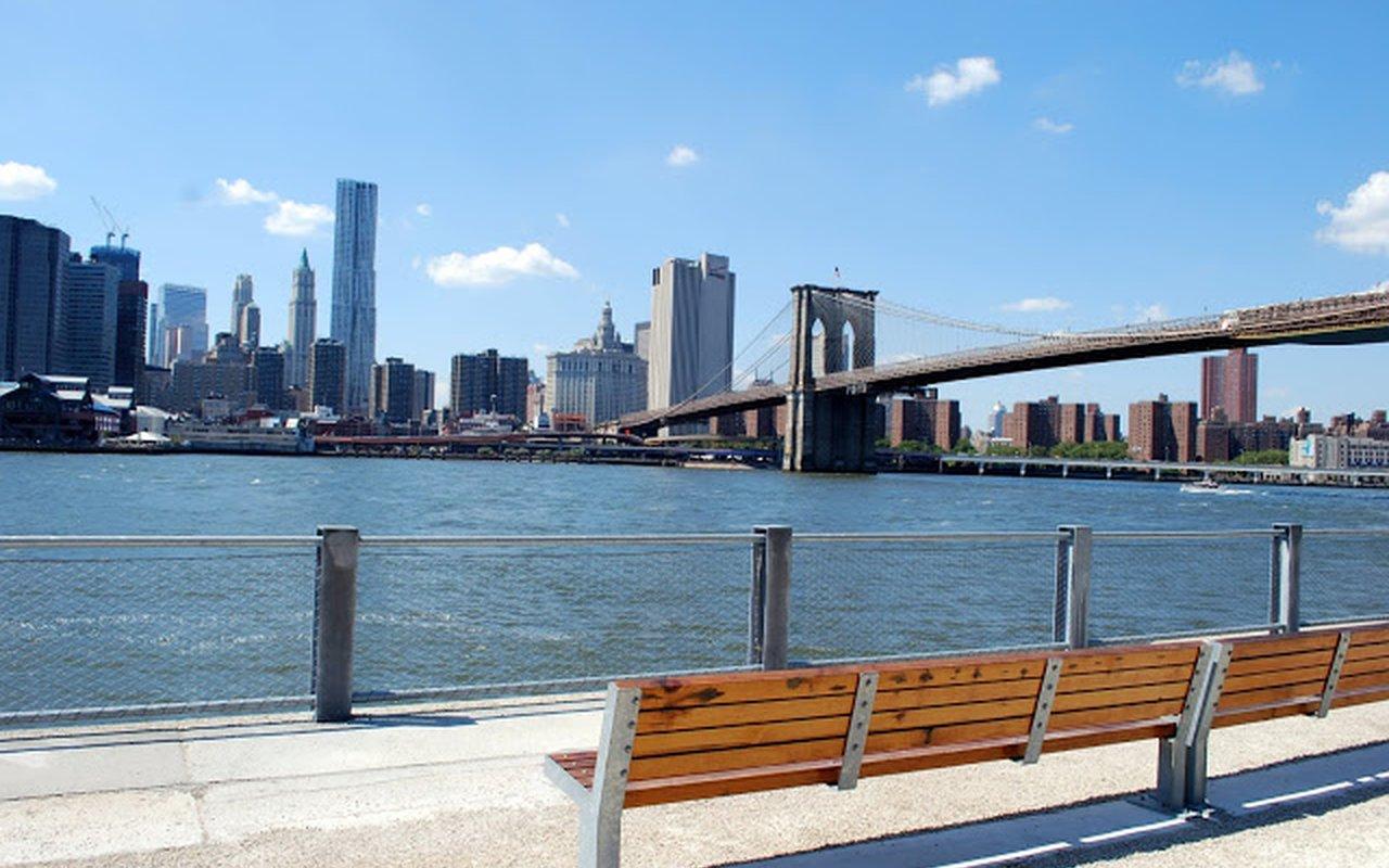 AWAYN IMAGE Brooklyn Bridge Park Basketball Courts