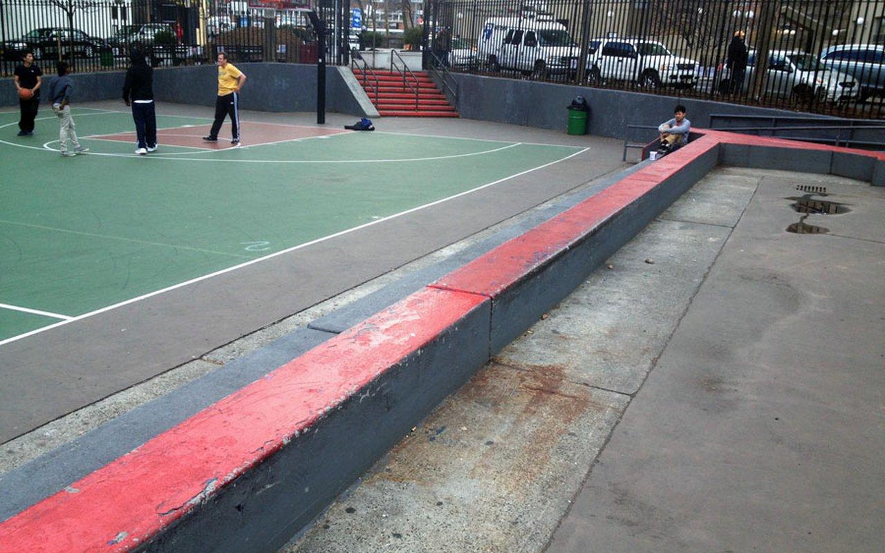 AWAYN IMAGE Columbus Park BB Court