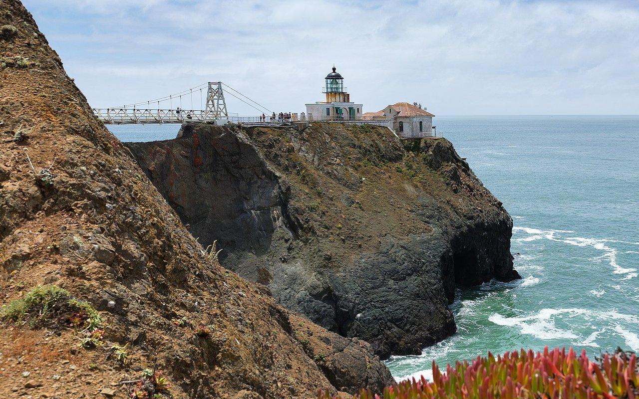 AWAYN IMAGE Point Bonita Lighthouse