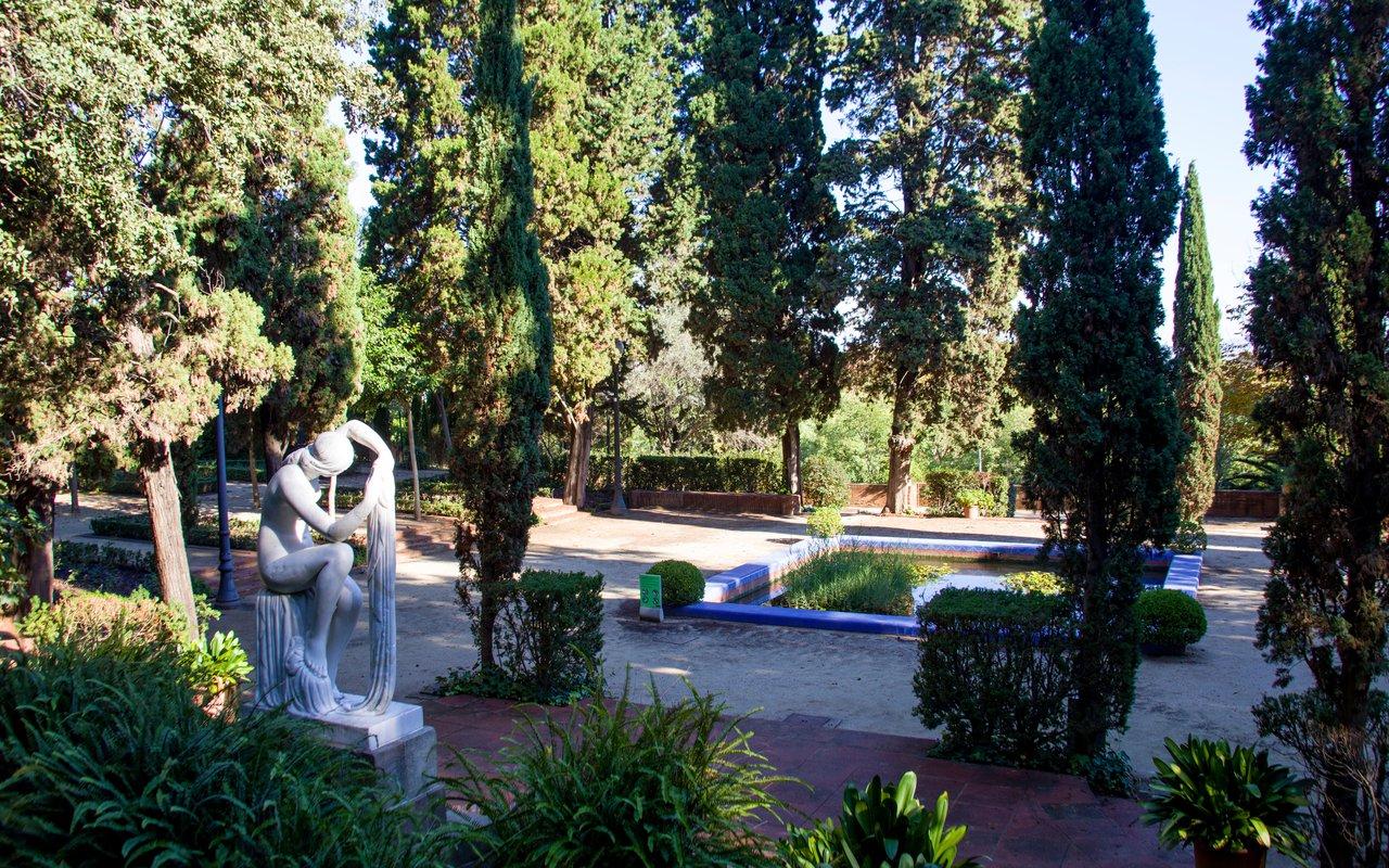 AWAYN IMAGE Stroll around the the Jardins de Laribal