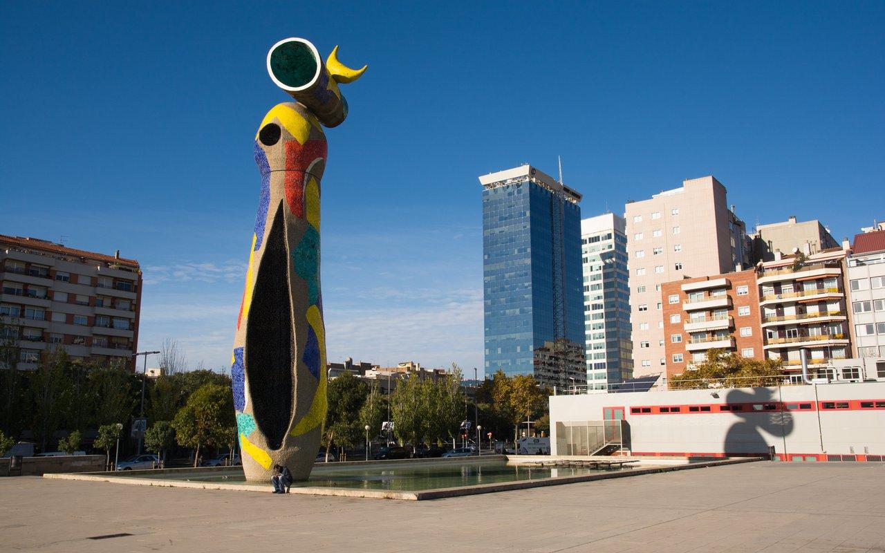 AWAYN IMAGE Relax in Joan Miró park