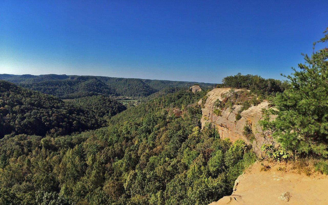 AWAYN IMAGE Auxier Ridge Trail