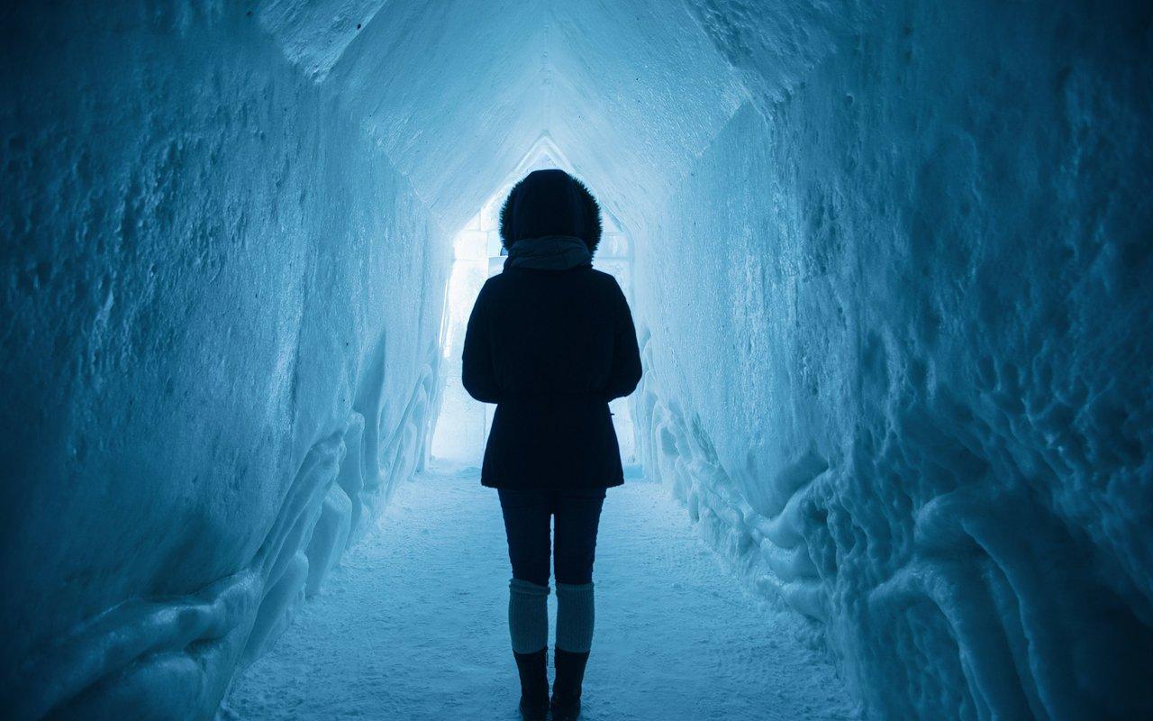 AWAYN IMAGE Ice Castles YEG