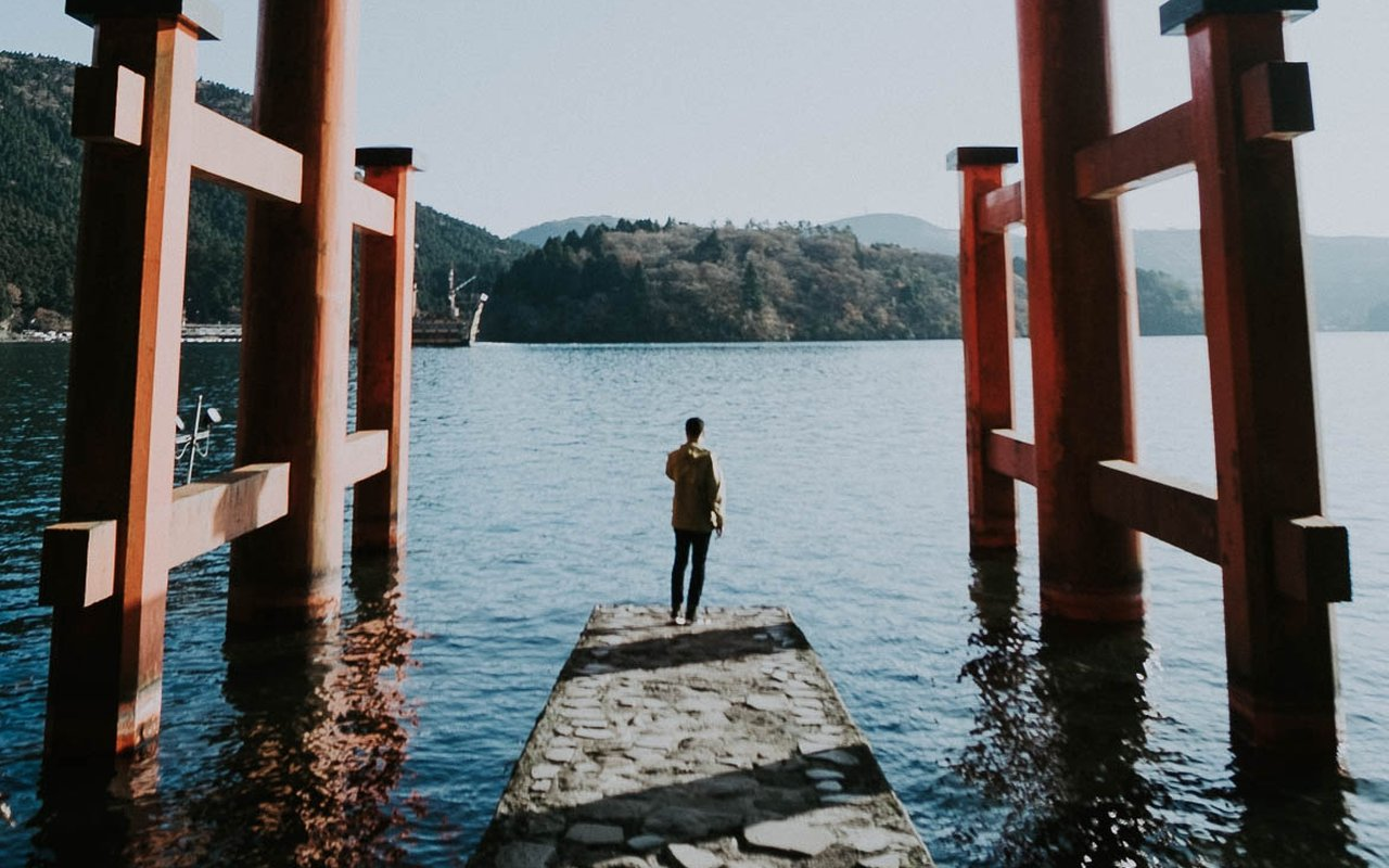 AWAYN IMAGE Visit the picturesque Hakone Shrine