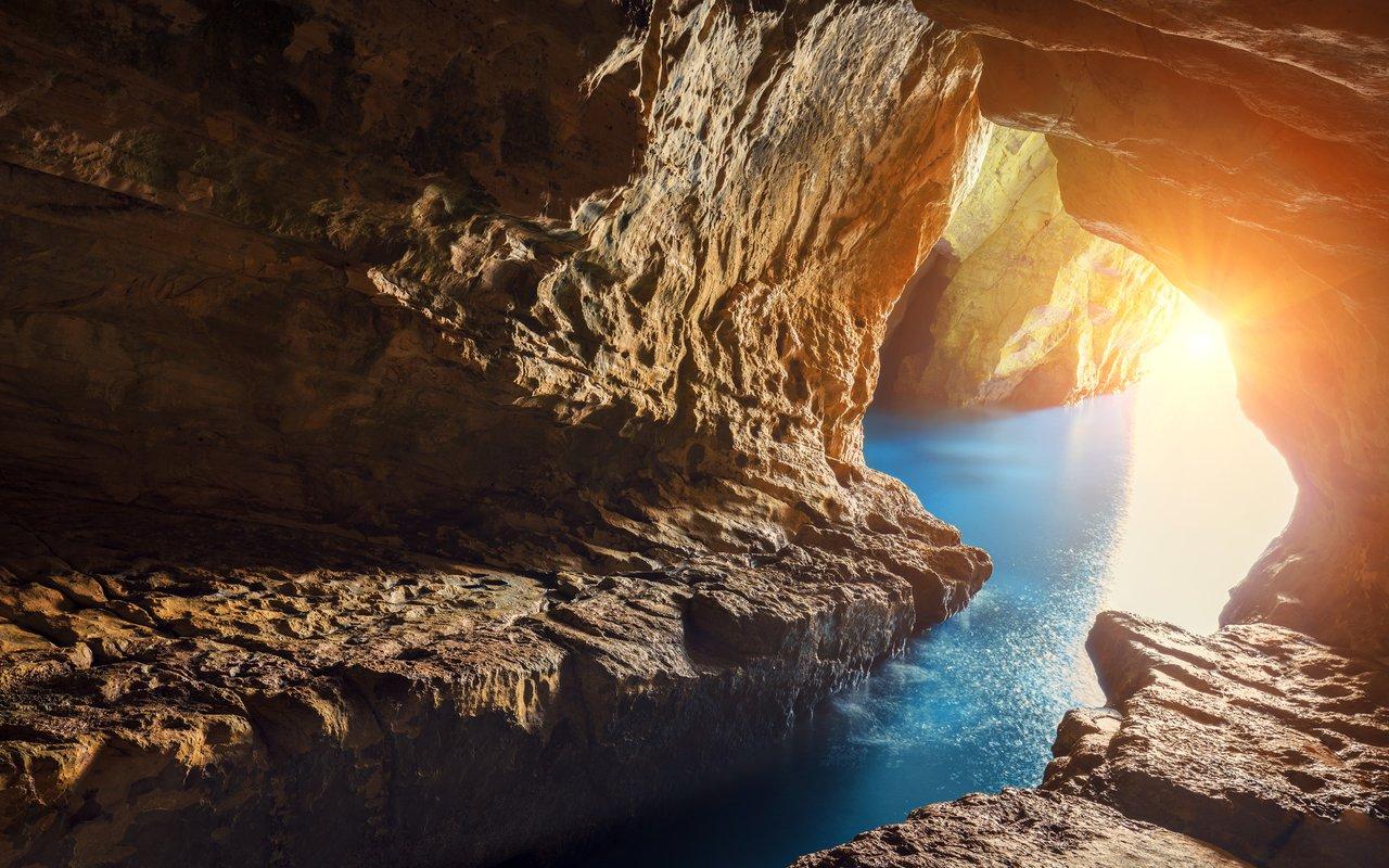 AWAYN IMAGE Visit Rosh HaNikra grottoes, Israel
