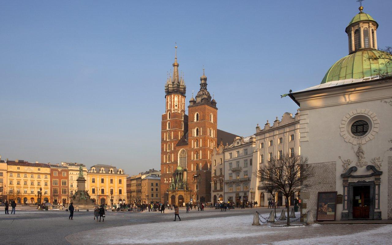AWAYN IMAGE Krakow Urban Adventures