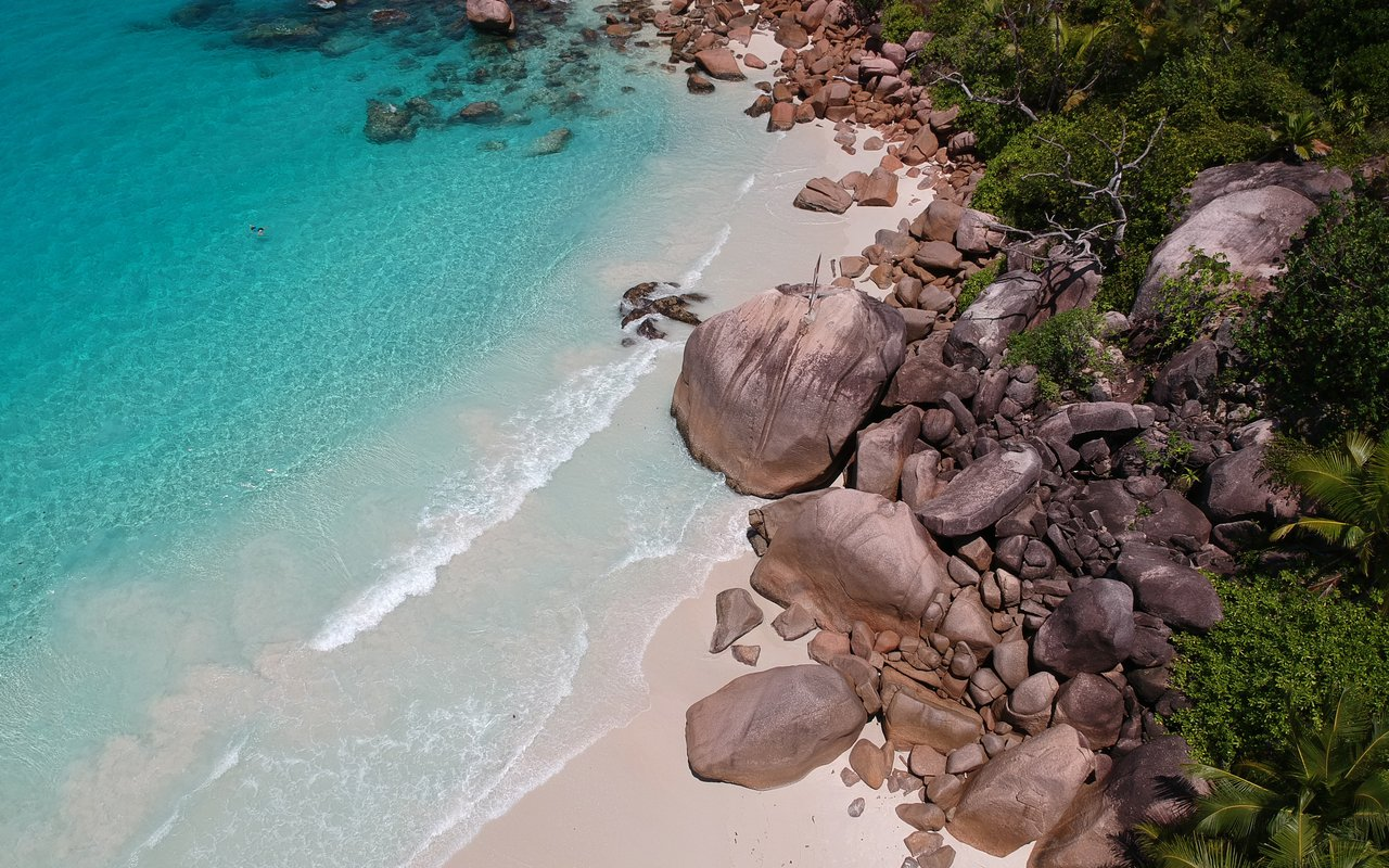 AWAYN IMAGE La Digue resort in Seychelles