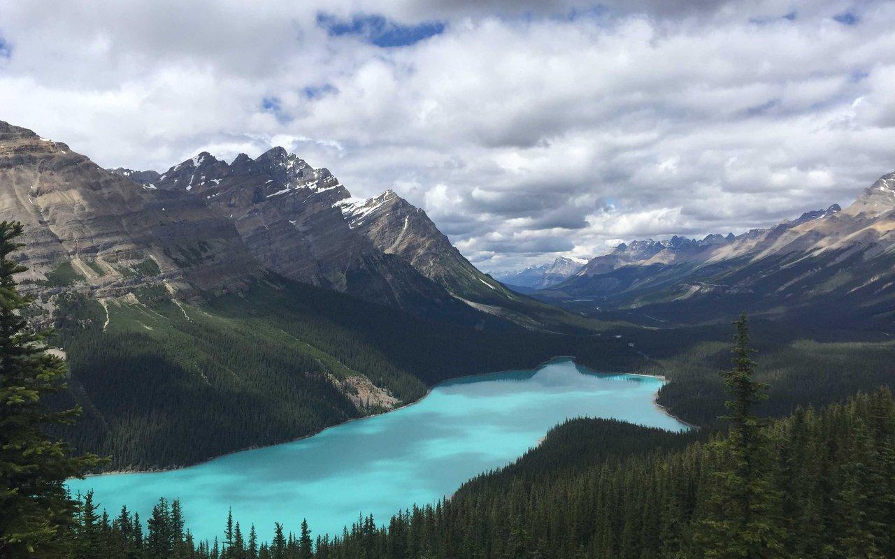 AWAYN IMAGE Kinney Lake, Canada
