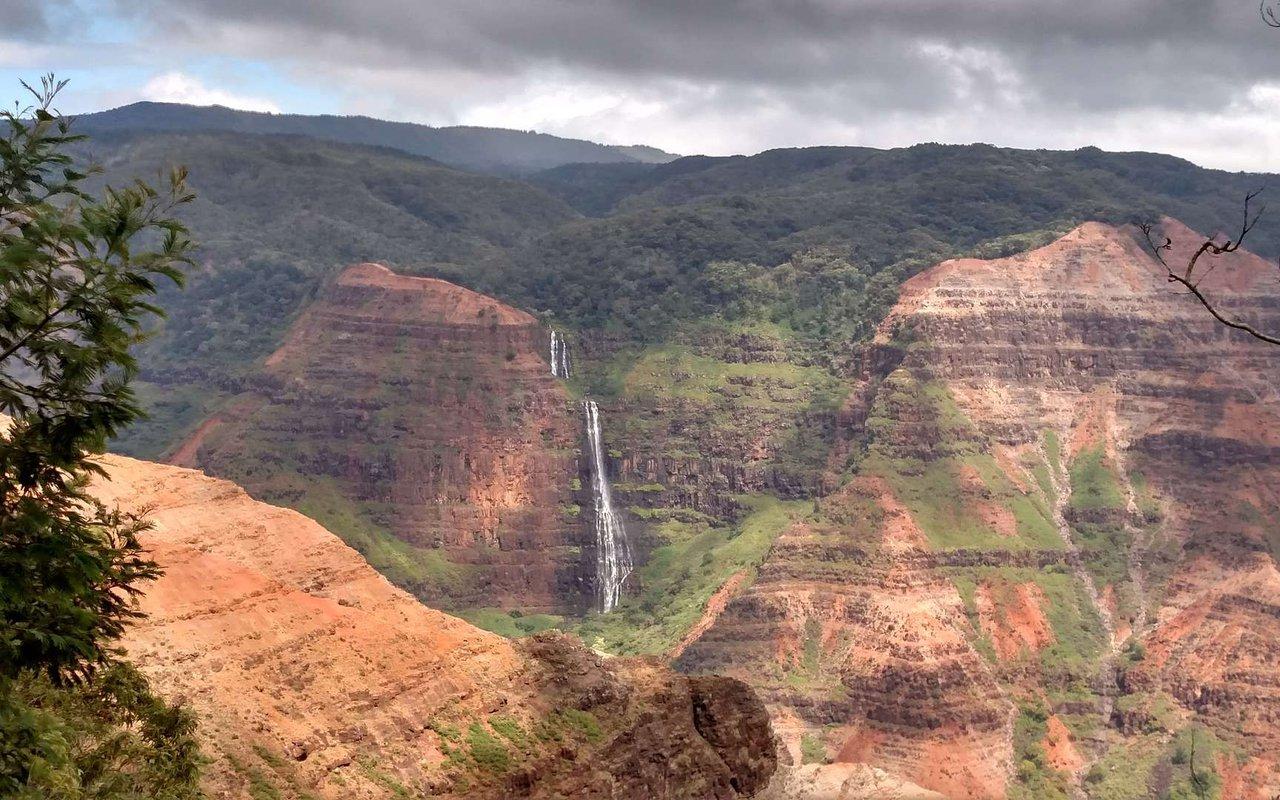 AWAYN IMAGE Jet Over to Kauai