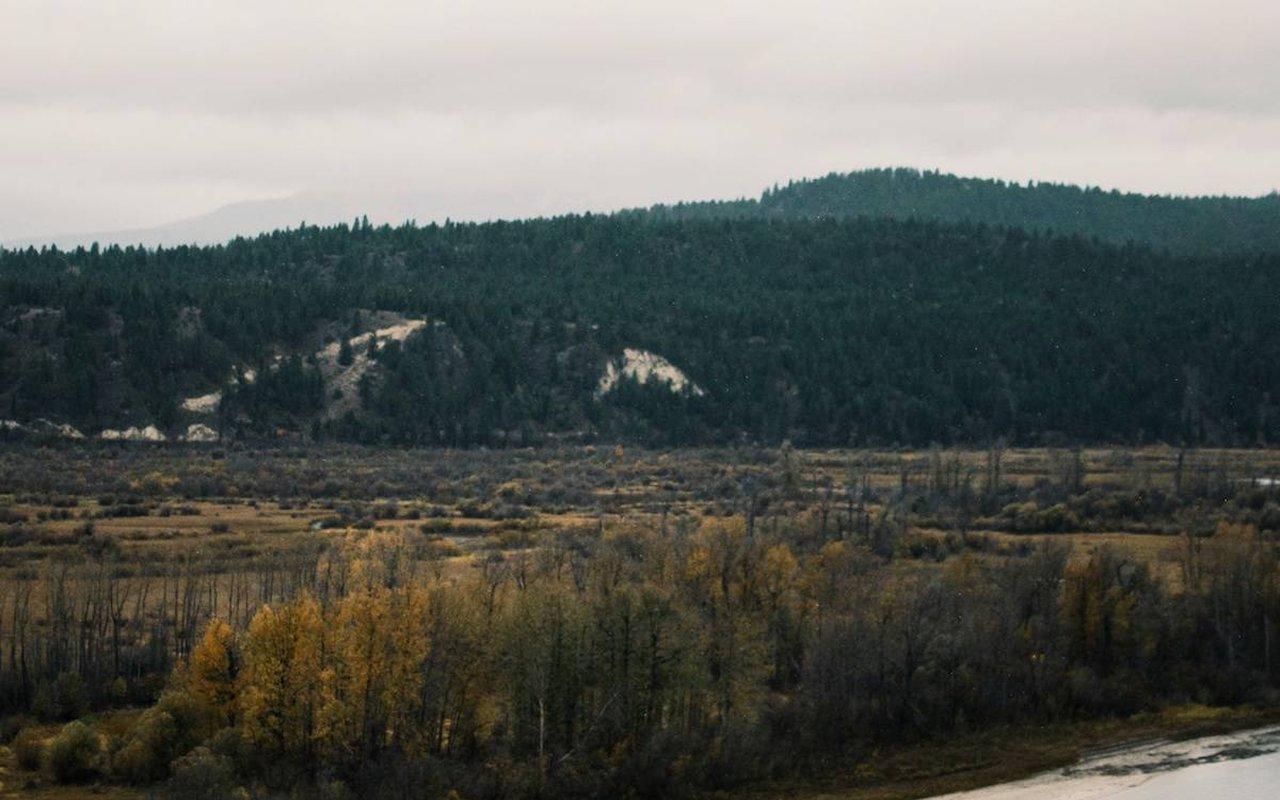 AWAYN IMAGE Vermilion Crossing Hike