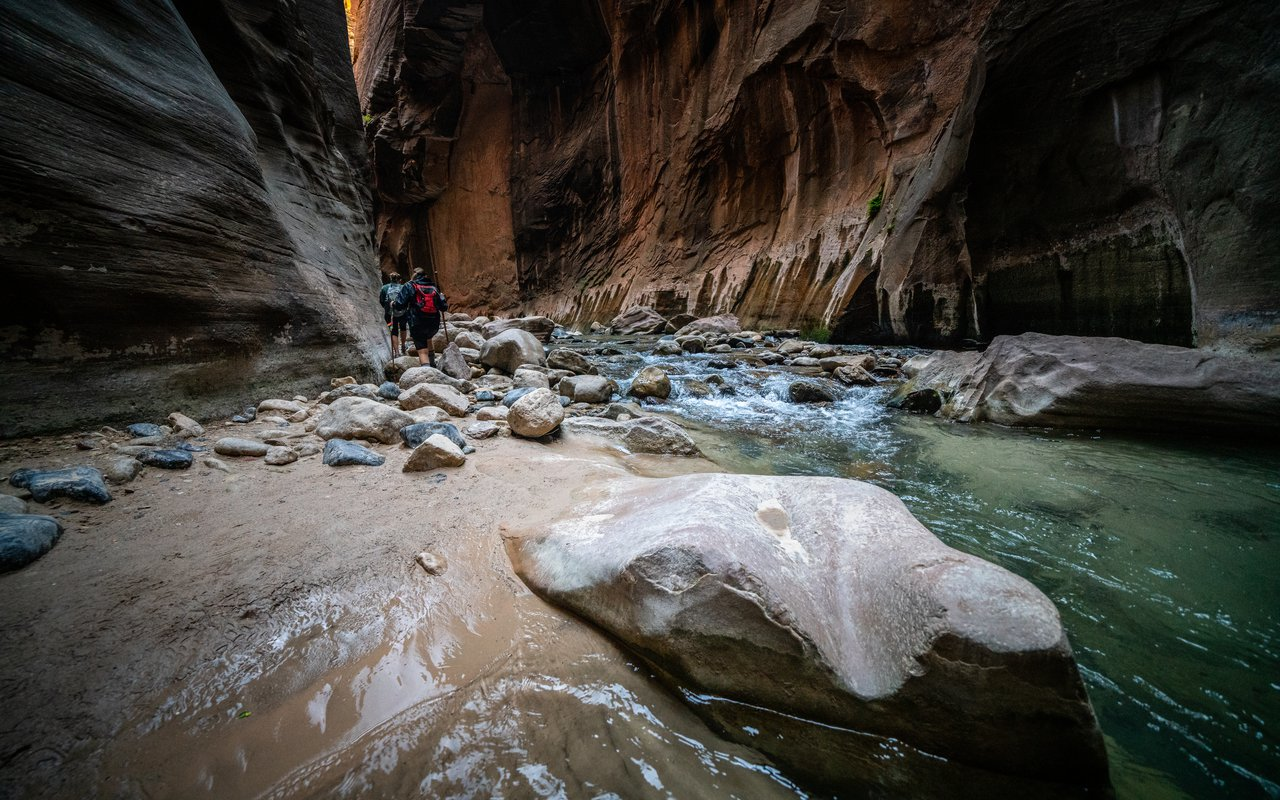 AWAYN IMAGE The Narrows Zion National Park