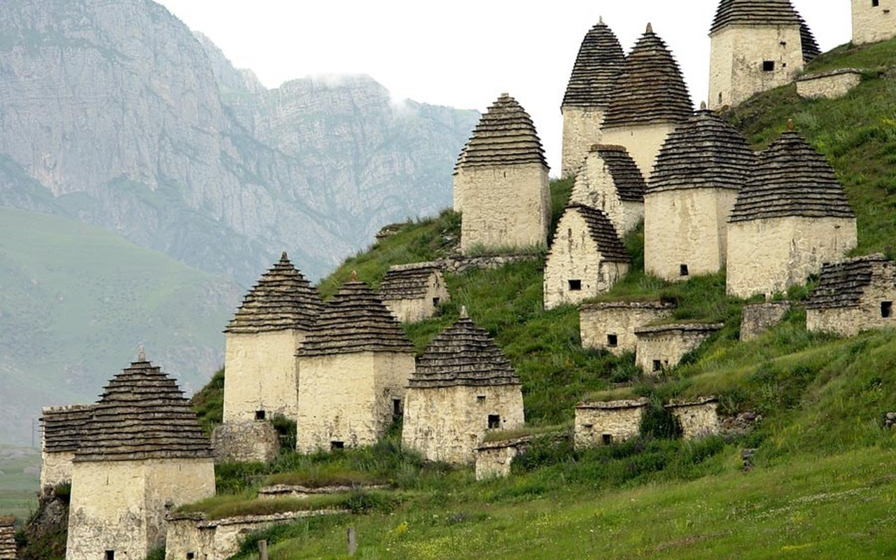 AWAYN IMAGE City of the Dead Dargavs