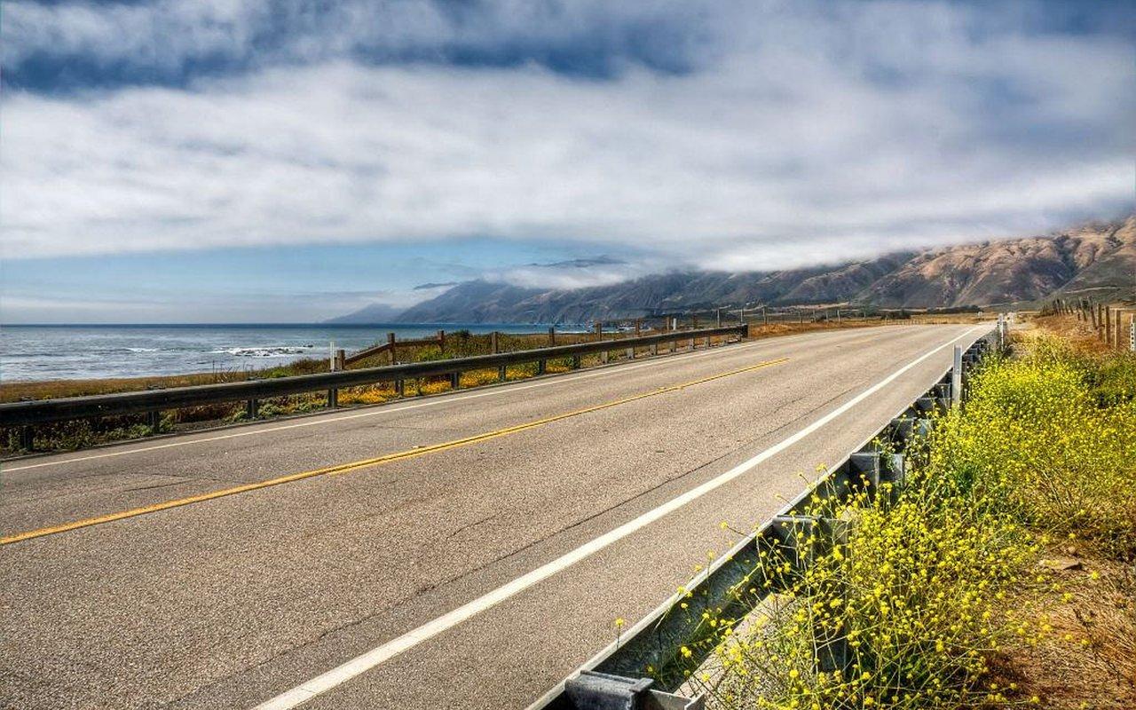 AWAYN IMAGE Pacific Coast Bike Rides