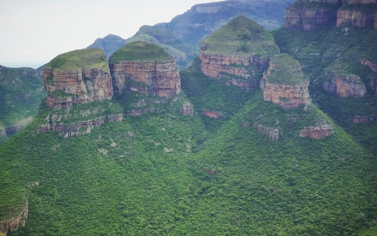 AWAYN IMAGE Leopard Trail, South Africa