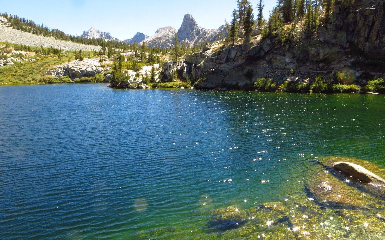 AWAYN IMAGE Rae Lakes Hike and camping
