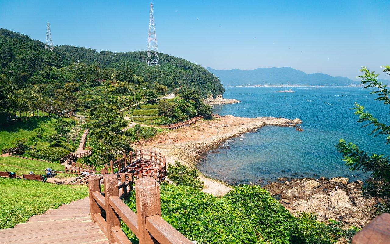 AWAYN IMAGE Walk around the Yi Sun Sin Park