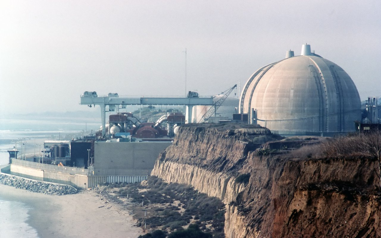 AWAYN IMAGE San Onofre Nuclear Power Plant