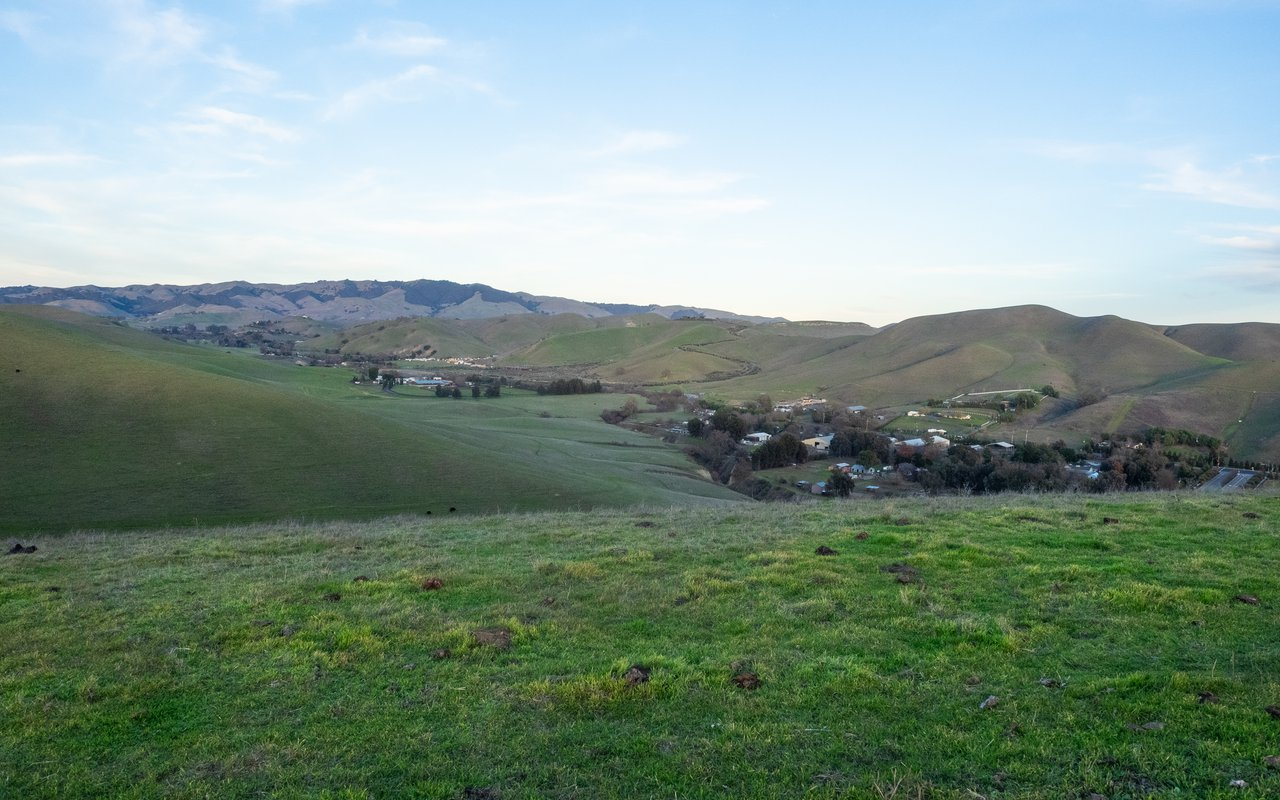 AWAYN IMAGE Hike Tassajara Ridge Staging Area