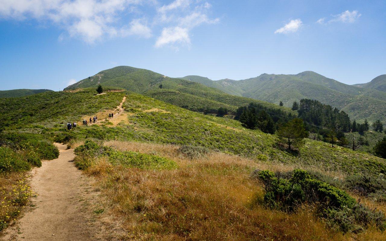 AWAYN IMAGE Hike Montara mountain