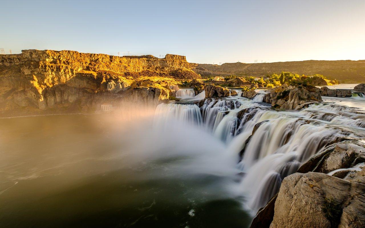 AWAYN IMAGE Shoshone Falls