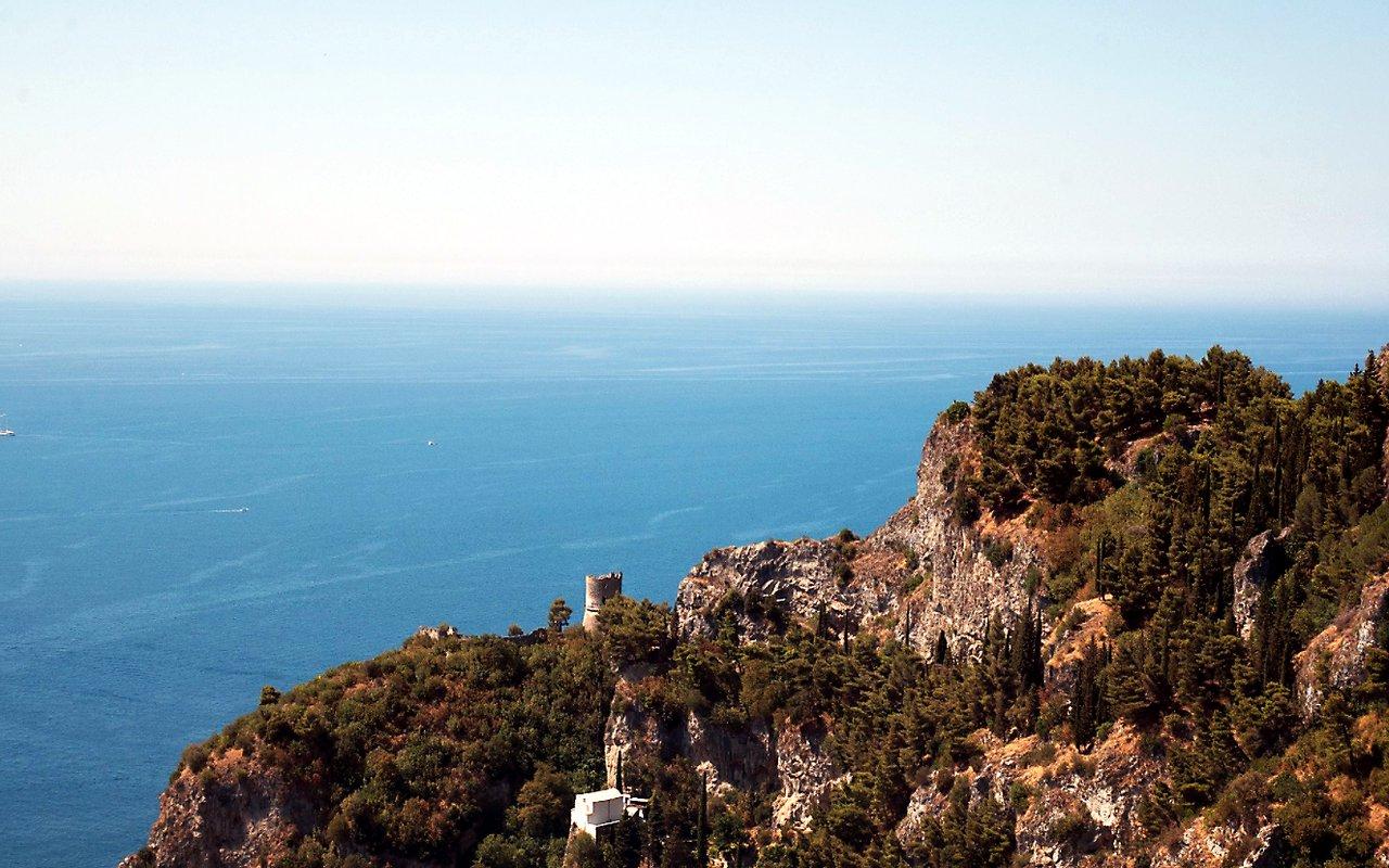 AWAYN IMAGE Climb Ravello - Atrani Walk