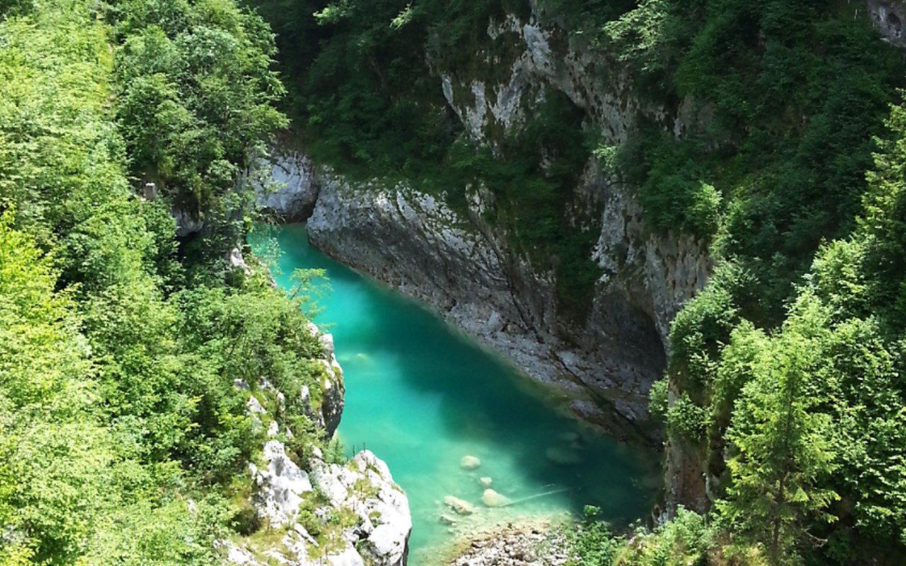 AWAYN IMAGE Sentiero del Dint dal Lago di Barcis