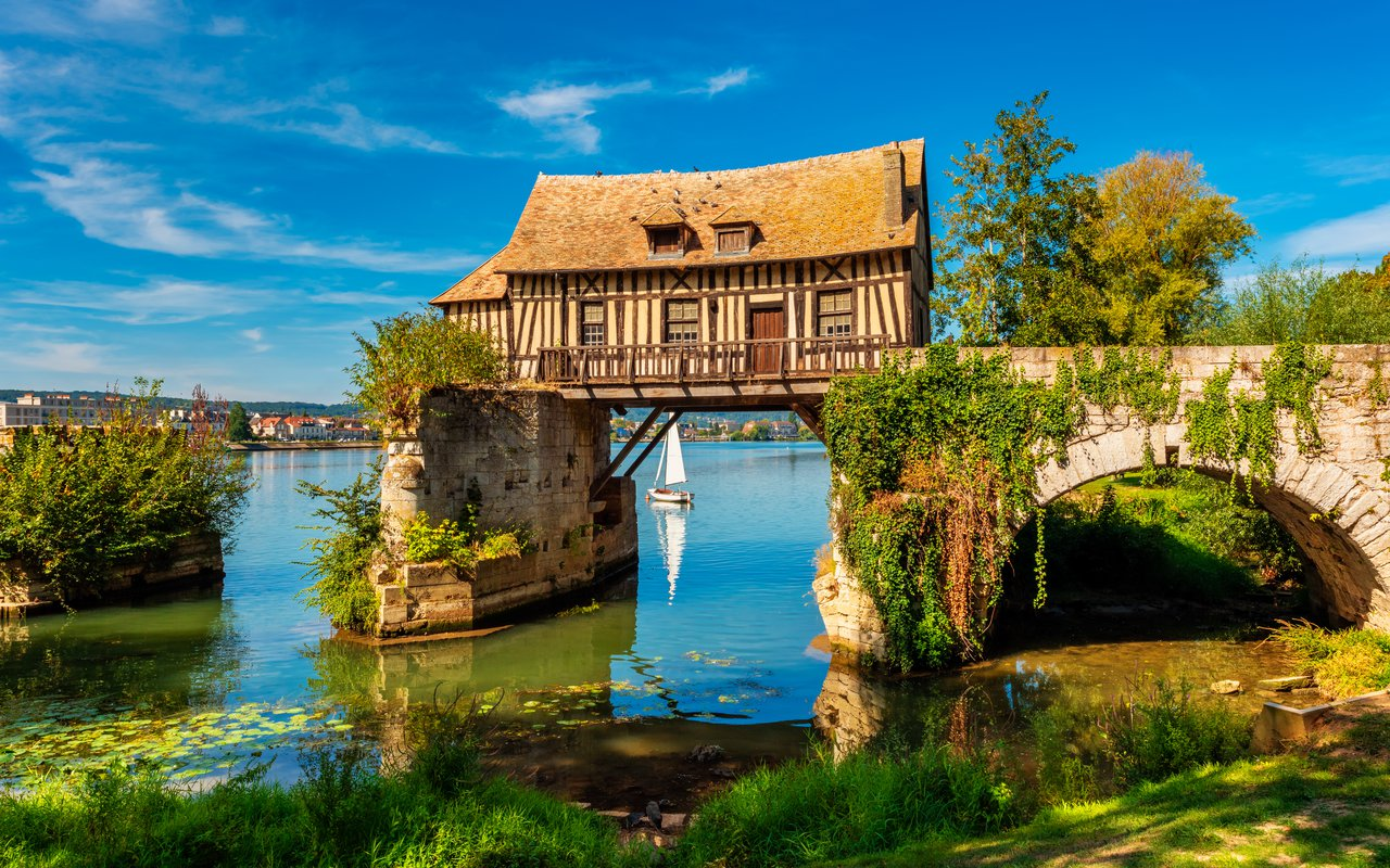 AWAYN IMAGE Le Vieux Moulin de Vernon ( the Old Mill of Vernon )