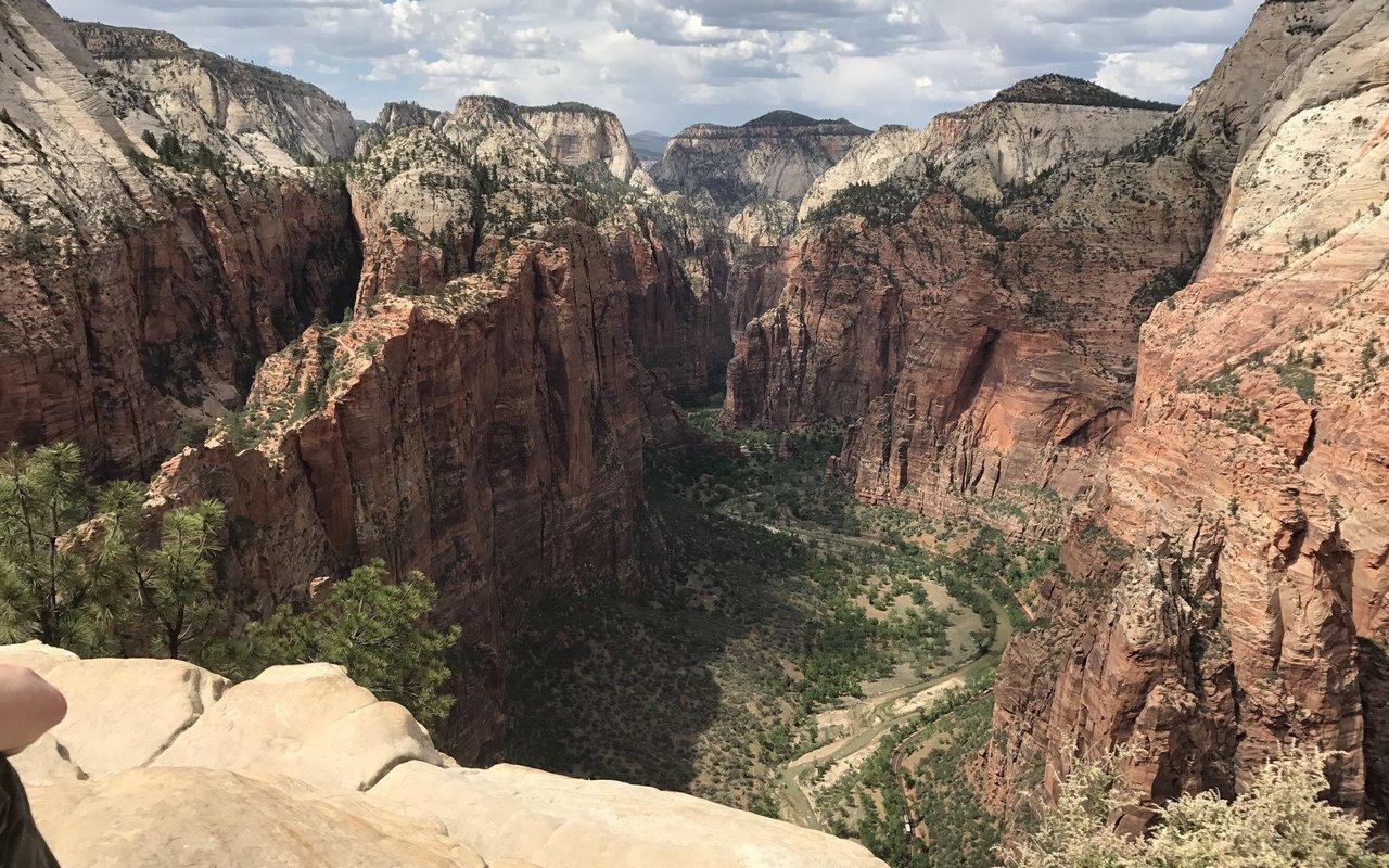 AWAYN IMAGE Angels Landing- Zion National Park