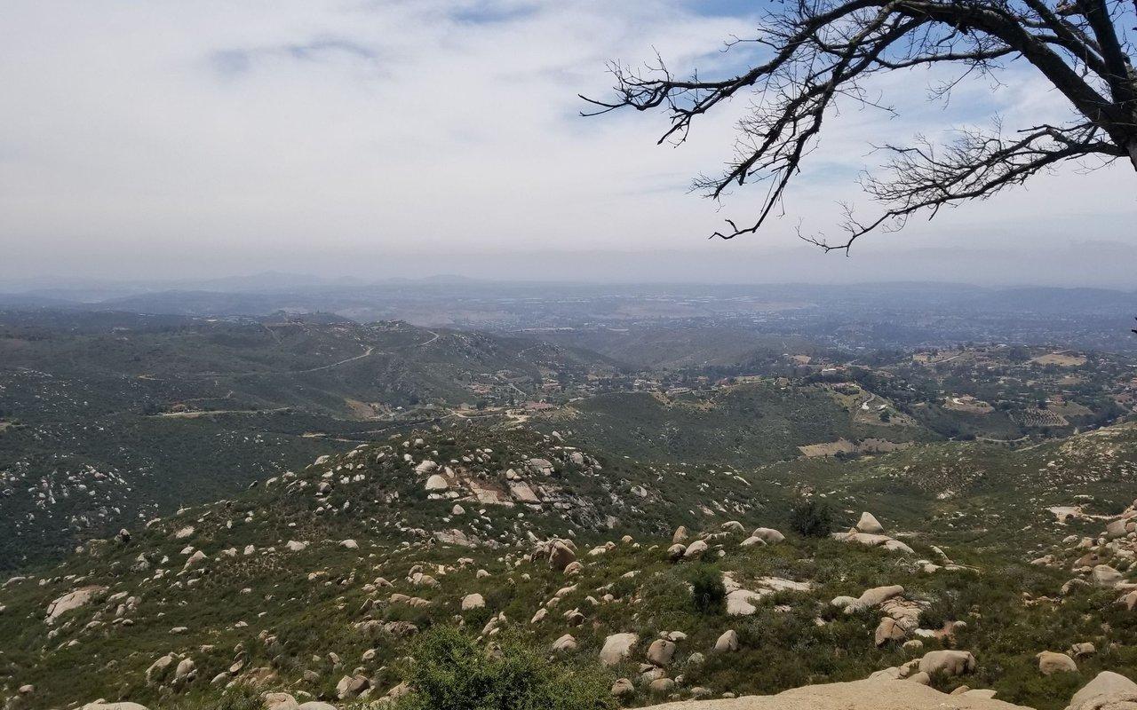 AWAYN IMAGE Hike to Potato Chip Rock