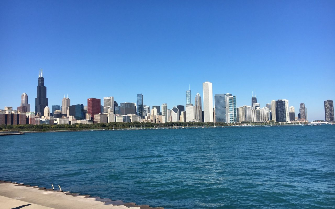 AWAYN IMAGE Chicago Lakefront Trail