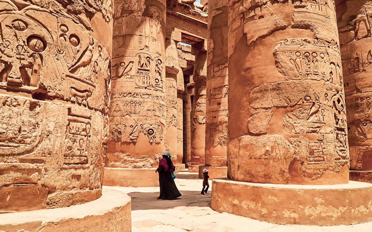 AWAYN IMAGE Temple of Hibis Egypt
