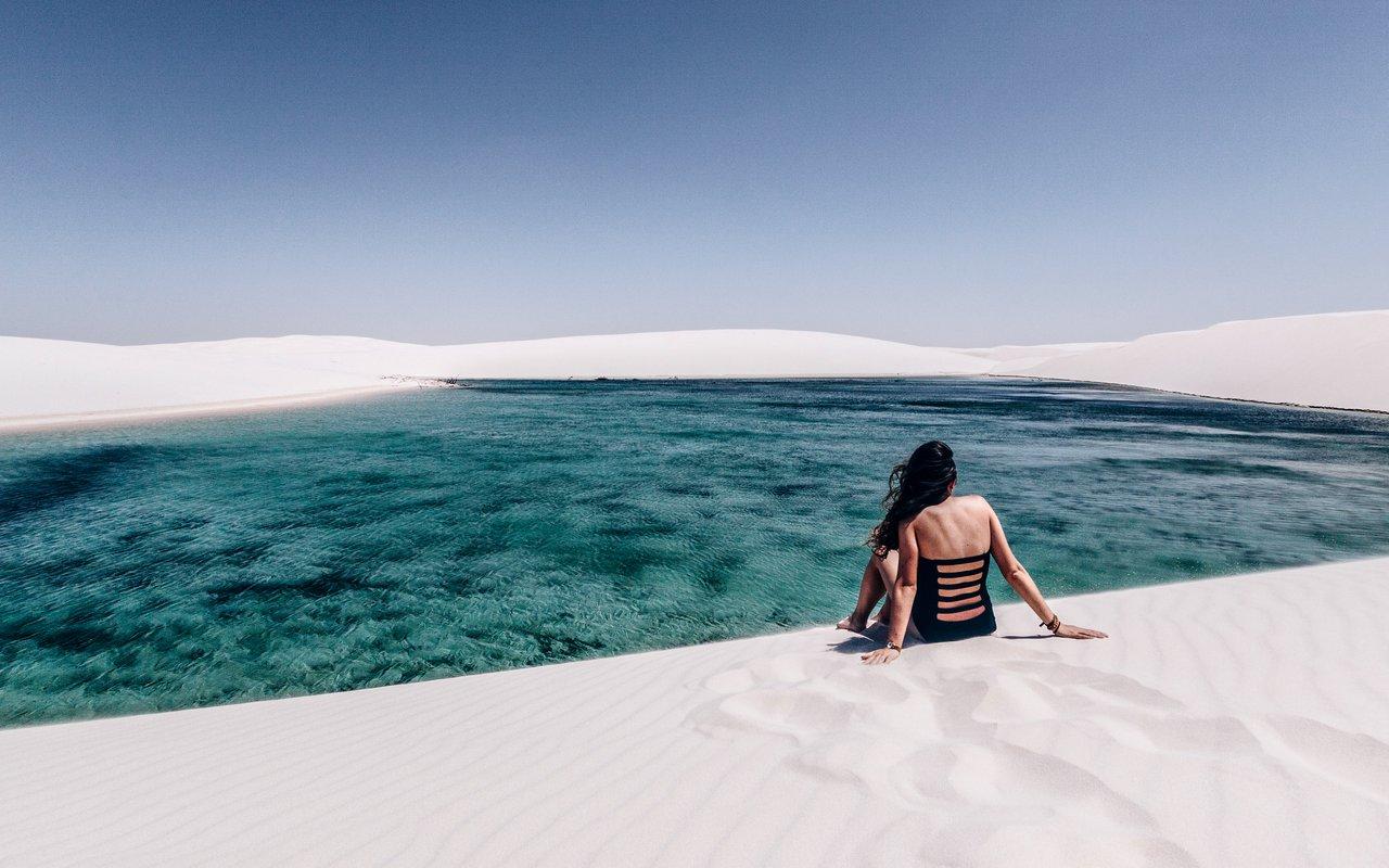 AWAYN IMAGE Visit the white sand beach of Parque Nacional dos Lençóis Maranhenses