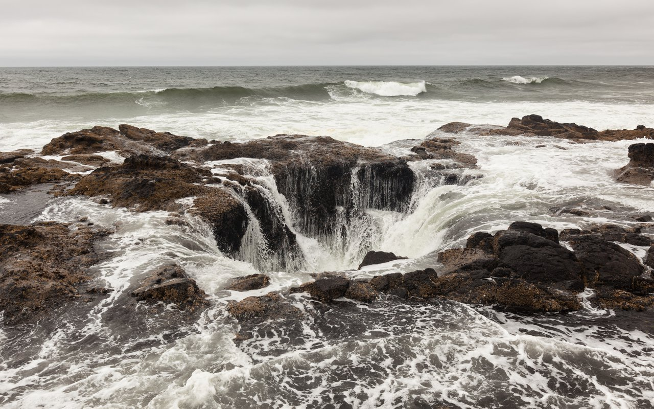 AWAYN IMAGE Walk to Thor's Well
