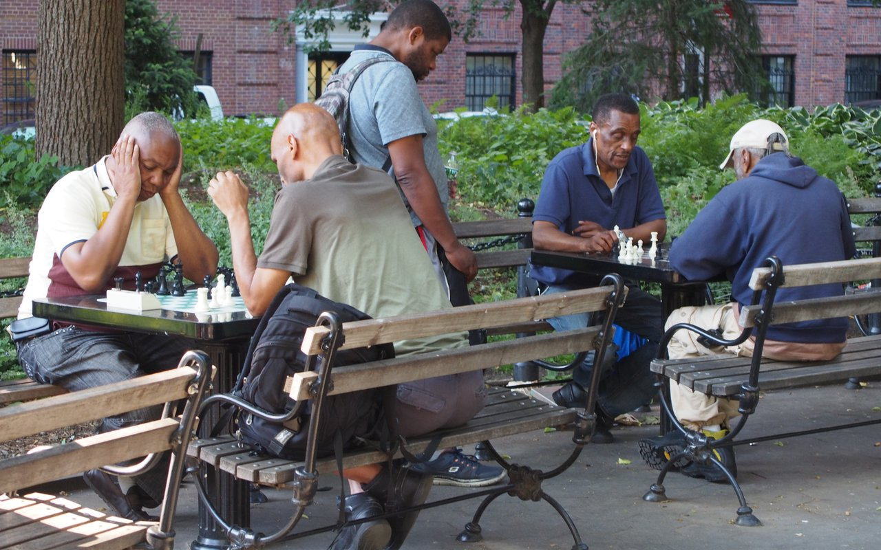 AWAYN IMAGE Play chess in Washington Square Park