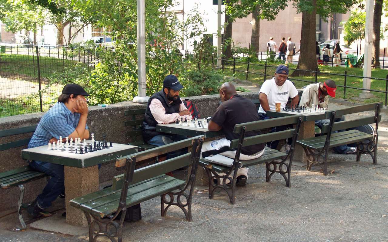 AWAYN - Places to play chess outdoors  NYC, Bryant Park: