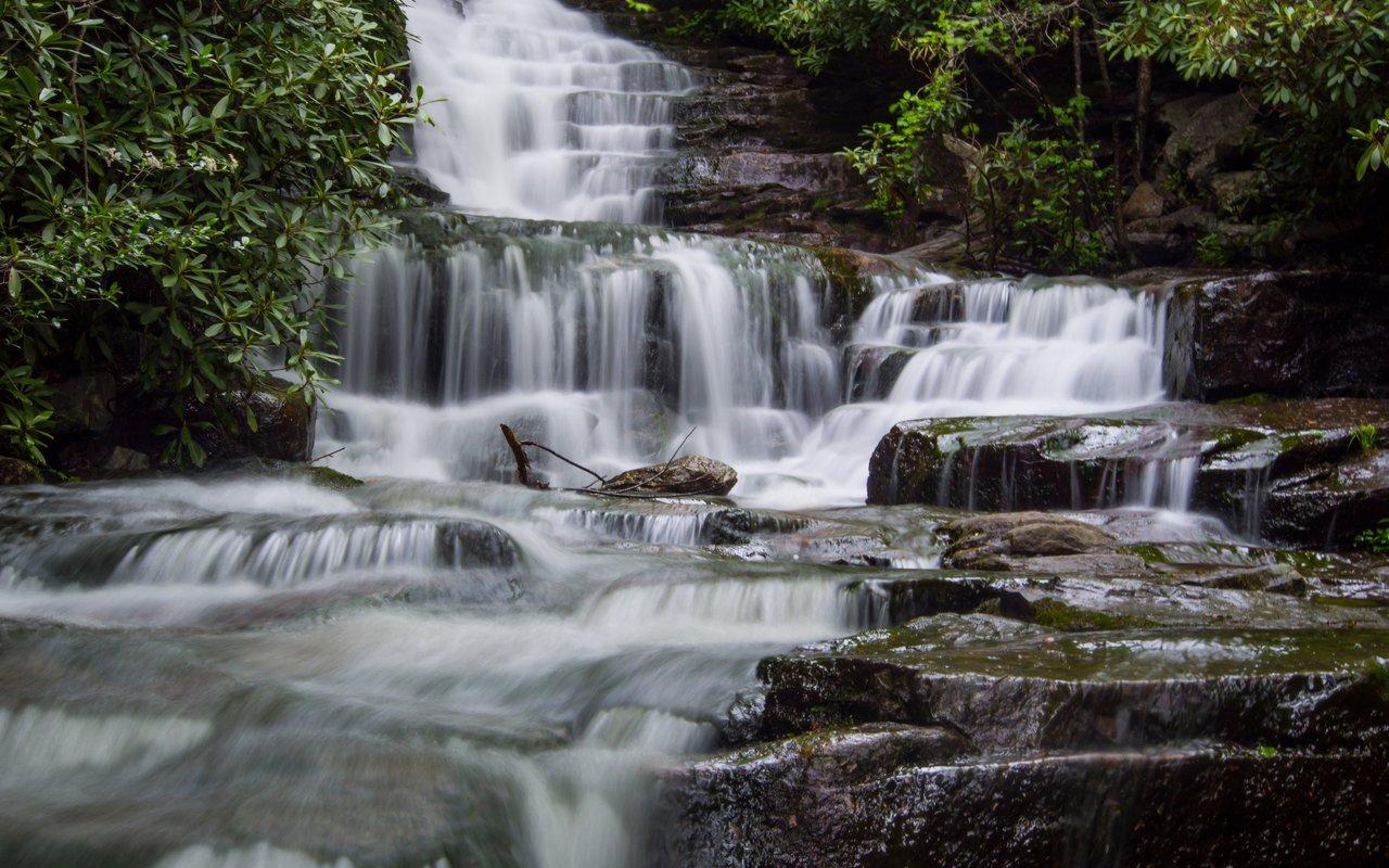 AWAYN IMAGE Hike the Glen Onoko Falls