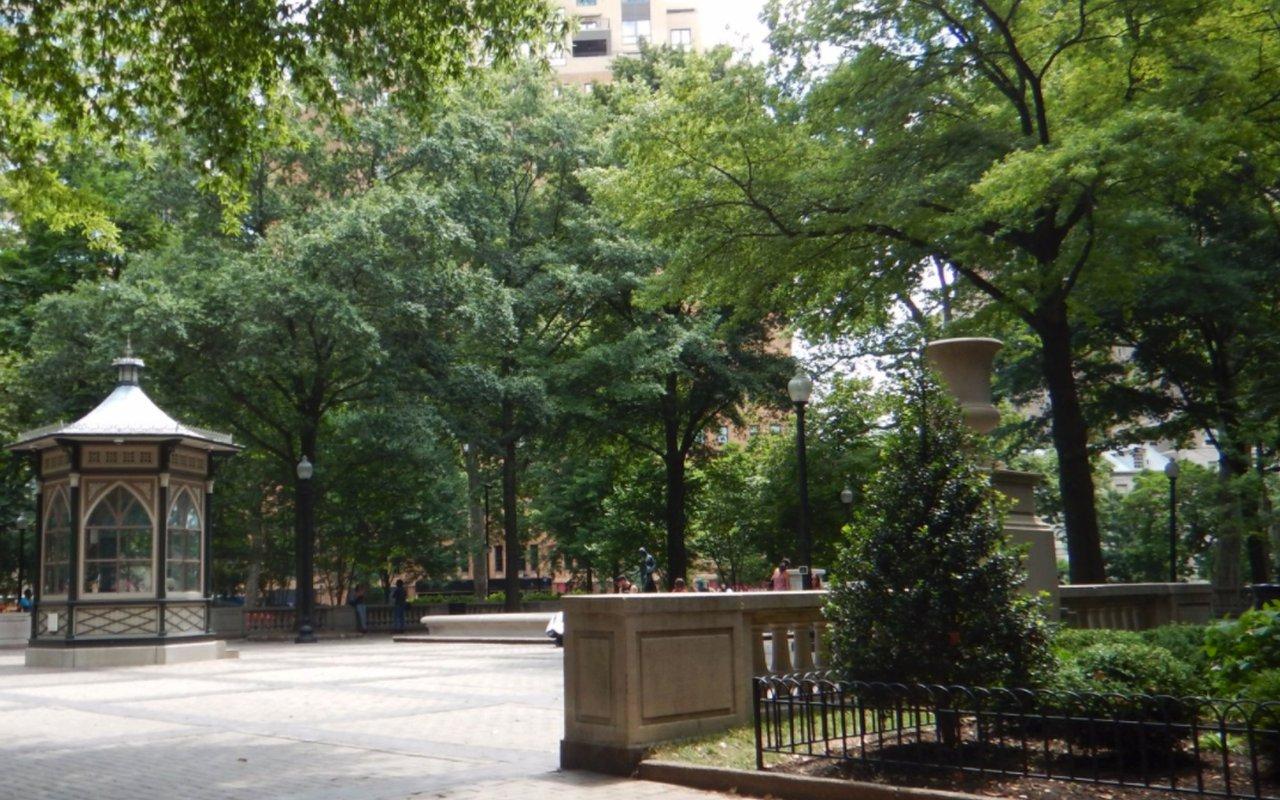 AWAYN IMAGE Rittenhouse Square Tour
