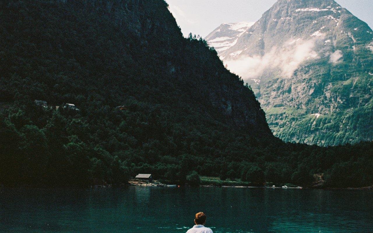 AWAYN IMAGE Camp at Lovatnet lake