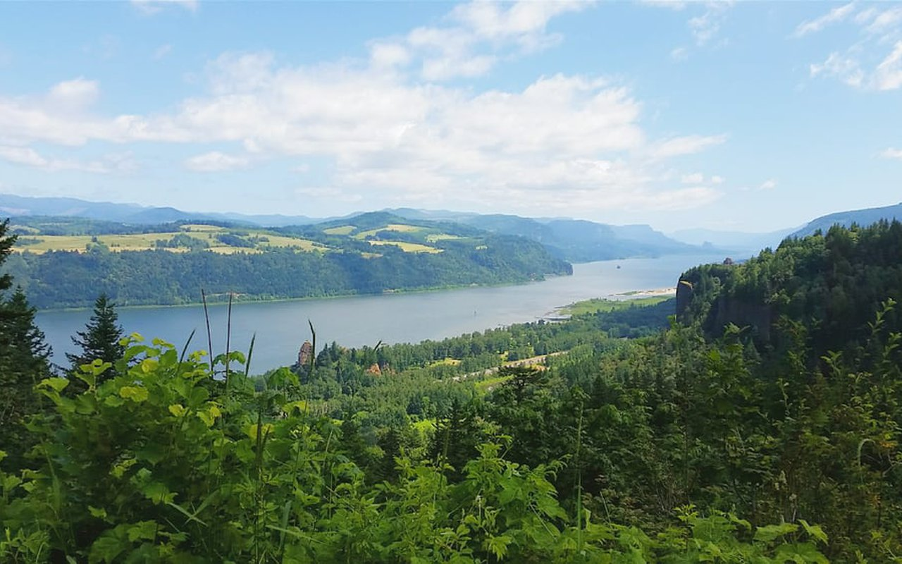 AWAYN IMAGE Columbia River Gorge National Scenic Area