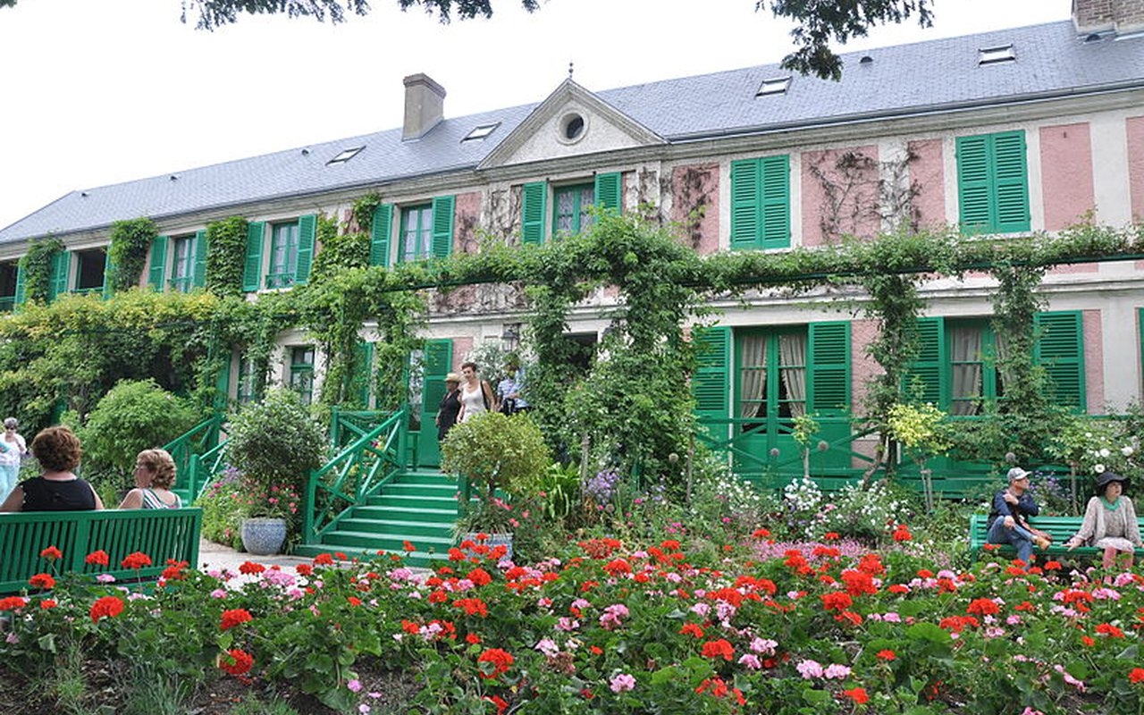 AWAYN IMAGE Claude Monet's garden at Giverny