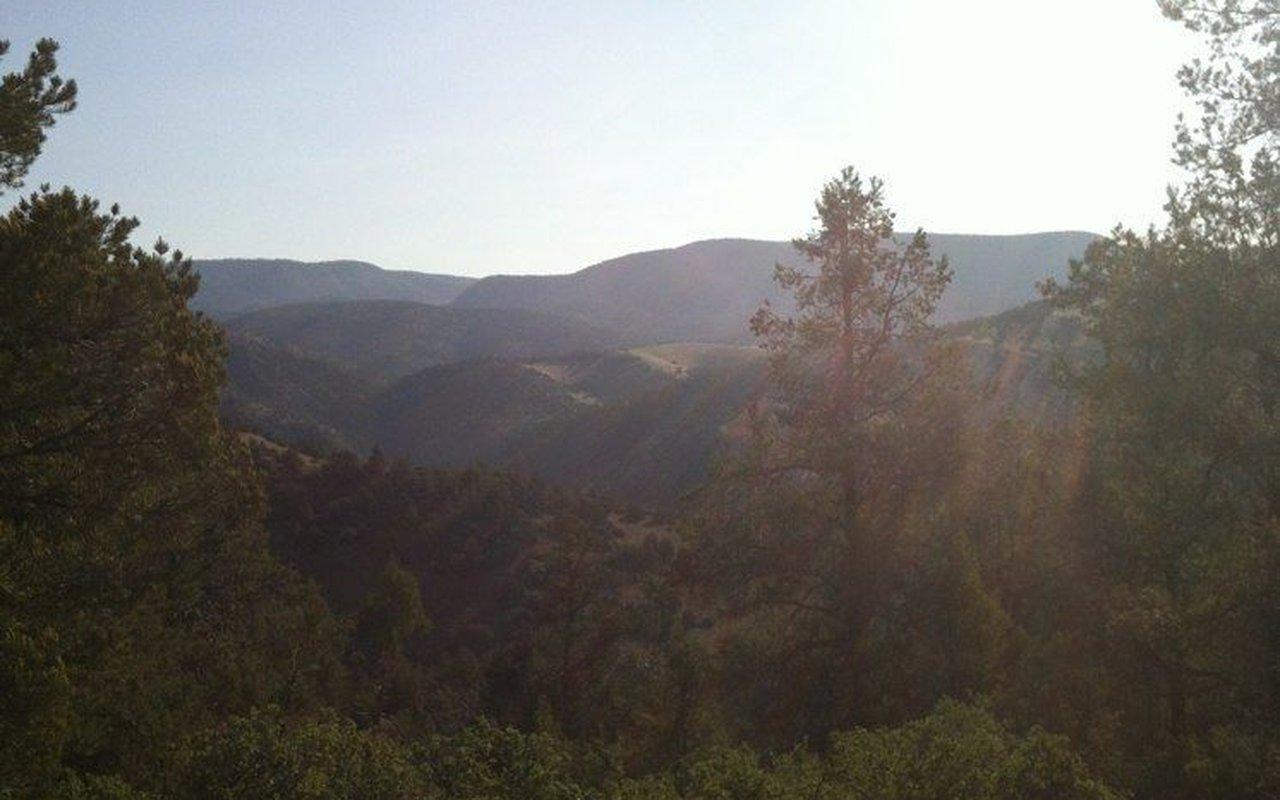 AWAYN IMAGE Hellsgate Trail