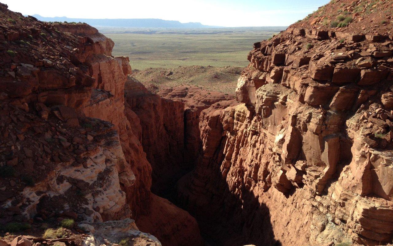 AWAYN IMAGE Hike, Vermillion cliffs wilderness